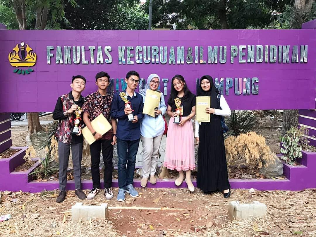 Siswa & Siswi SMAN 9 Bandar Lampung meraih juara pada SEMARAK BAHASA DAN SENI di Universitas Lampung
