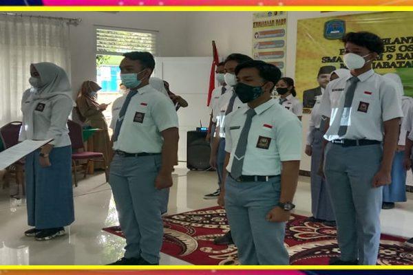 Kepala SMAN 9 Bandar Lampung Melantik Pengurus OSIS Tahun Pelajaran 2020/2021